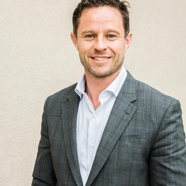 Representative for Steve O'Flynn, Edward Jones Financial Advisor